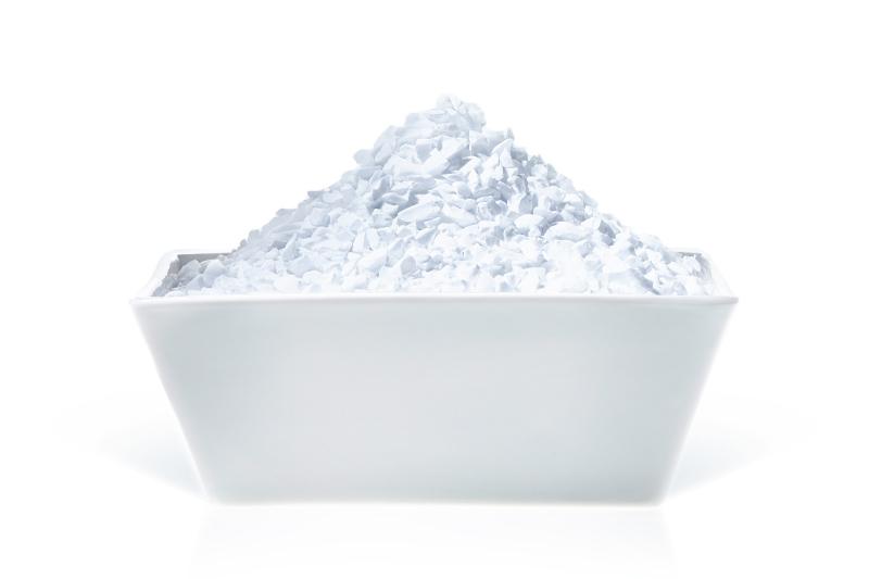 Reactive and tabular alumina